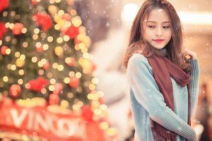 Bạn trẻ chúc nhau Giáng sinh... không tắc đường