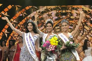 H'Hen Niê đăng quang Miss Universe Vietnam 2017, lần đầu tiên trong lịch sử Hoa hậu tóc ngắn đến vậy!