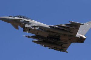 Anh điều tiêm kích Typhoon tới chặn máy bay Nga áp sát không phận
