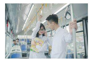 Mê mệt với bộ ảnh tình yêu trong sáng của cặp đôi 10X Hà thành