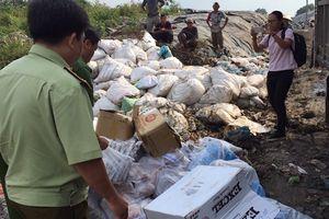 Tiêu hủy hơn 2 tấn thực phẩm không rõ xuất xứ