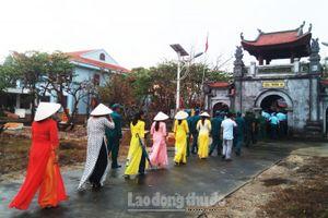 Đầu năm đi lễ chùa Trường Sa