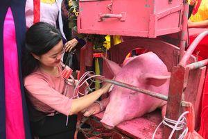 Nghi thức chém lợn tại lễ hội Ném Thượng năm 2018 có gì đặc biệt?