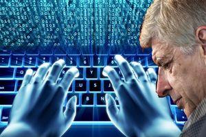 Tuyệt kỹ của Wenger vô dụng chỉ vì… Internet