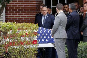 Mỹ truy tặng huân chương cho 3 thiếu sinh quân trong vụ xả súng