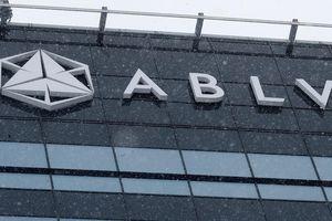 Hỗn loạn từ hệ thống ngân hàng Latvia