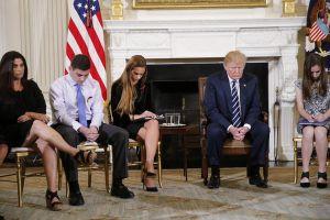 Ông Trump ủng hộ ý tưởng vũ trang cho giáo viên