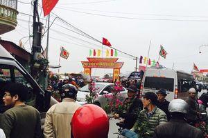 Nam Định: Biển người đổ về chợ Viềng trước giờ khai hội