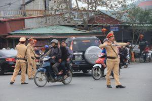 Hàng trăm công an đảm bảo an ninh, giao thông chợ Viềng