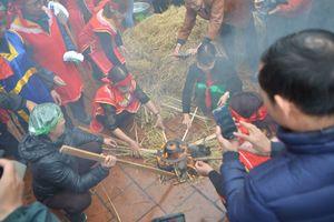 Cận cảnh hội thi thổi cơm vô cùng độc đáo ở Hà Nội