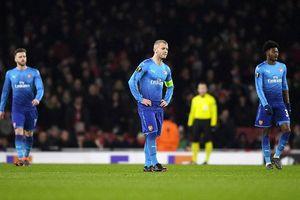 Arsenal và căn bệnh 'dại nhà'