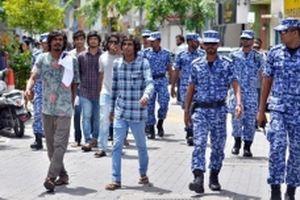Maldives lao đao trong vòng xoáy khủng hoảng