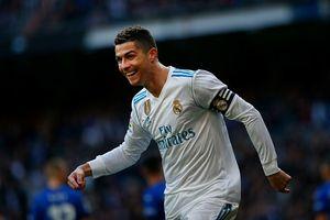Real Madrid 4-0 Alaves: Ronaldo lập cú đúp, nhường Benzema đá 11 m