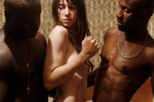 Những phim khiến khán giả choáng váng bỏ về vì cảnh nóng trần trụi