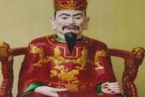 Vị chúa Trịnh nào phải đào hầm để sống vì sợ sấm ?