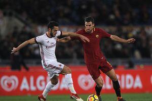 Hạ gục Roma, AC Milan làm Arsenal lo lắng