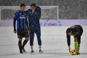 Tuyết rơi dày như trận chung kết U.23 châu Á, trận Juventus gặp Atalanta phải hoãn