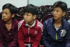 Đề nghị tạo điều kiện cho học sinh 'nhặt được của rơi trả người đánh mất' được tiếp tục đến trường