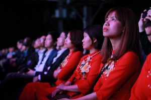 Samsung Galaxy S9/S9+ ra mắt toàn cầu, lần đầu tiên nhân viên Việt Nam được tham dự