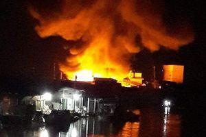 Nghi vấn chập điện khiến 3 căn nhà cháy rụi trong đêm