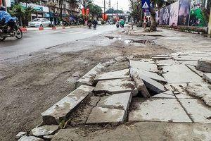 Nhìn gần các tuyến phố mới lát đá 'bền 70 năm' đã vỡ