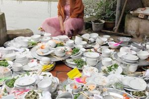 Sự thật về nàng dâu 'phải rửa núi bát đĩa trong ngày cưới'