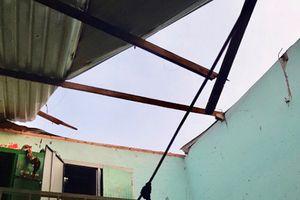 Nổ lớn do hút thuốc trong nhà vệ sinh, cả gia đình 4 người bị thương
