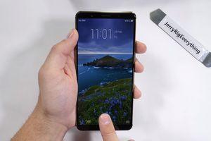 Tra tấn smartphone cảm biến vân tay dưới màn hình Vivo X20 Plus UD bằng lửa và dao