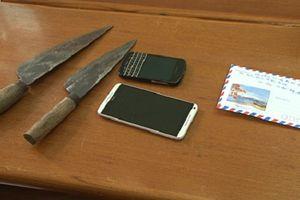 Quảng Ninh: Khởi tố 2 đối tượng mang dao bầu đi cướp tài sản của phụ nữ