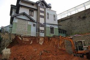Đắk Nông: Sụt đất trong lúc xây nhà khiến 3 người thương vong