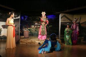 Đối tác 'xuống nước' NSND Hồng Vân sau tuyên bố đóng cửa sân khấu kịch SuperBowl