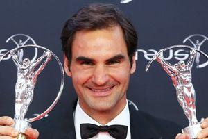 Roger Federer xuất sắc giành cú đúp ở giải 'Oscar thể thao'