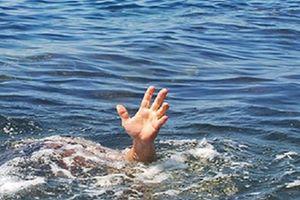 Quảng Ninh: Đắm tàu chở hàng khiến 2 mẹ con trong một gia đình tử vong