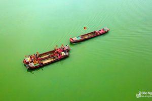 Ấn tượng hình ảnh Lễ rước nước thiêng trên sông Lam