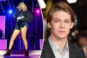 Thì ra, Taylor Swift ngày càng phát phì là do một tay tình trẻ Joe Alwyn chăm cả!