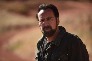Nicolas Cage đóng phim báo động nạn quay lén qua gương khách sạn