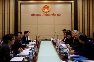 Indonesia tìm hiểu quy định về nhập khẩu ô tô của Việt Nam