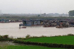 Đắm tàu trên sông Cầm, 2 mẹ con tử vong