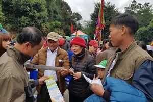 Quảng Ninh: Du khách bức xúc vì đến lễ chùa Yên Tử phải mua vé