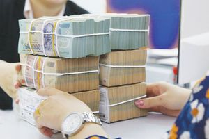Cách nào hạn chế rủi ro khi gửi tiền ngân hàng?