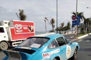Đoàn xe cổ nhất trên thế giới xuất hiện ở thành phố biển Nha Trang