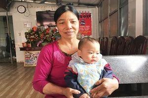 Mẹ hậu vệ Vũ Văn Thanh nói gì về cô con dâu tương lai xinh đẹp?