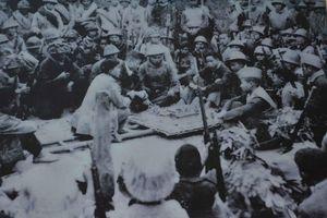 Bức ảnh ngày ấy và trận công kiên đầu tiên của Quân đội ta