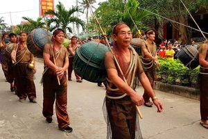 Lễ hội cầu ngư và xuất quân đánh cá tại làng biển Cảnh Dương