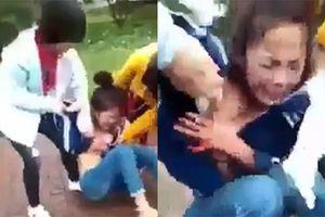 Nữ sinh bị nhóm phụ nữ đánh đập, xé quần áo giữa ban ngày