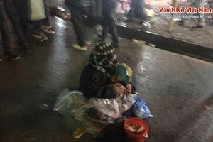 Nam Định: Tái diễn hình ảnh phản cảm sau lễ khai ấn đền Trần