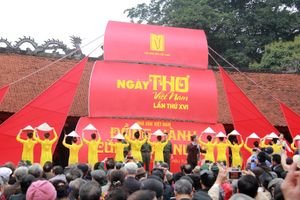 Tưng bừng khai mạc Ngày thơ Việt Nam lần thứ XVI