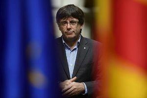 Cựu Thủ hiến Puigdemont từ bỏ vai trò lãnh đạo Catalonia