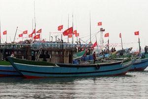 Ngư dân thắt chặt tình đoàn kết, cùng nhau bảo vệ biển đảo Tổ quốc
