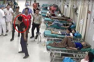 Khởi tố bệnh nhân hành hung nhân viên y tế